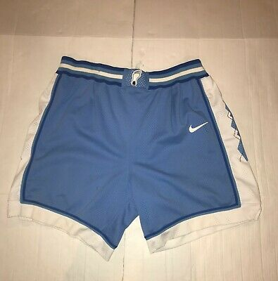 5b13f266d01 VTG 90's NIKE North Carolina Tar Heels mens basketball shorts XL USA Team  sports