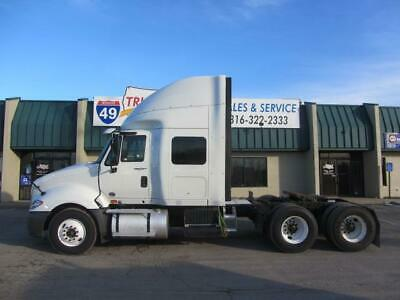 2013 International Prostar Mid Roof Sleeper