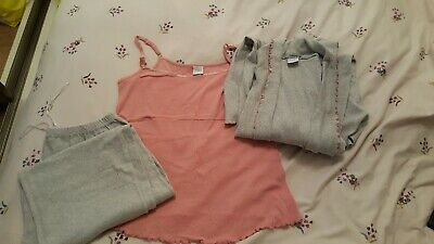 ** MOTHERCARE MATERNITY PYJAMAS/Breastfeeding top and matching dressing gown **