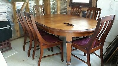 Antique Oak Dining table and Chairs 4ft diameter extending to 4x6ft