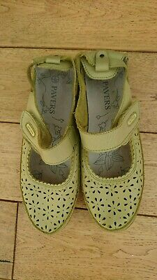 Ladies Light Green leather  Pavers Shoes Size 5