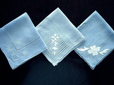 Exquisite VTG Linen Hankies~3 BLUE w/Fine Embroidery~D-W~Applique~Hand Finished