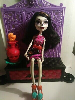 Monster High Skelita Calaveras Doll - Art Class Edition