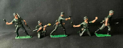 Vintage Comet Authenticast Solid Lead Toy Soldiers EIRE German ? Army Infantry