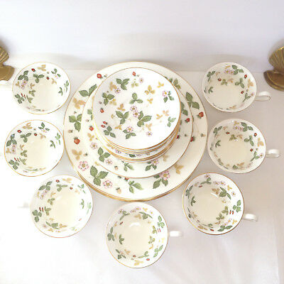 Wedgwood Wild Strawberry 10 LOT LEFT! Dinnerware England Replacement Settings