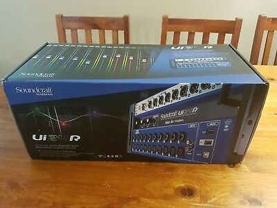 Soundcraft UI24R 24-channel Digital Mixer/USB Multi-track Recorder Wireless