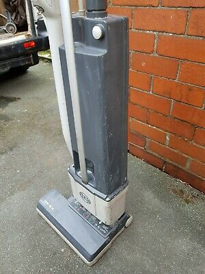 SEBO BS-36 Commercial Upright Vacuum Cleaner carpet cleaning