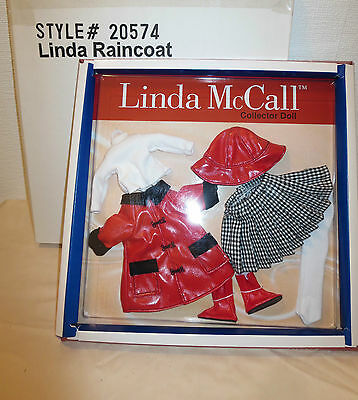 "Betsy McCaLL FAMILY Tonner""LINDA MCCALL""LINDA'S RAINCOAT ""NRFB NEW VINTAGE 2000"