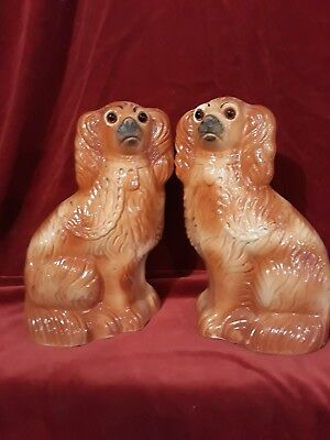 Pair of antique Wally Mantlepiece Dogs /chien de chiminnee