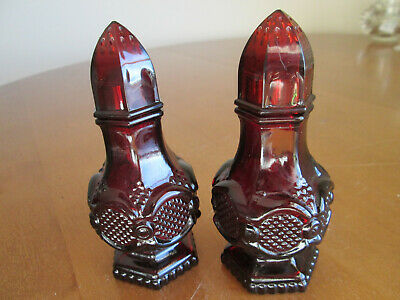 Avon 1876 Cape God Collection Ruby Red Glass Salt and Pepper Shakers