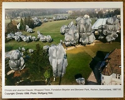 CHRISTO & JEANNE-CLAUDE Wrapped Trees, Fondation Beyeler & Berower Park RIEHEN