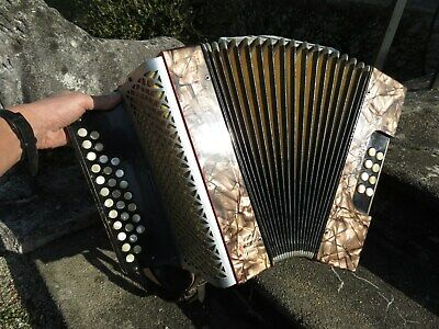 ancien petit accordeon HOHNER VICTORIA CLUB MODELL