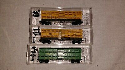 Micro Trains N scale 40ft Cattle Cars Katy and Santa Fe Lot of 3