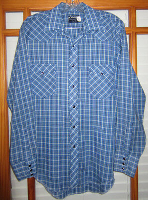 ae8f267871 Vintage Wrangler Western Shirt Men s 16 X 34 Long Tails Pearl Snap USA Made