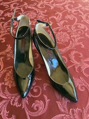 c8c18dee84 ... *mismatch* Right Us Sz 9.5/left 9 M. $48.00 Buy It Now 13d 21h. See  Details. Black Patent Leather Strappy Proxy Heels Shoes Size 7 Narrow