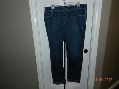 0672c7a19b4e6 Chicos Platinum Womens Jeans sz 2 Reg Dark Wash Skinny Denim Pants capri   27 1