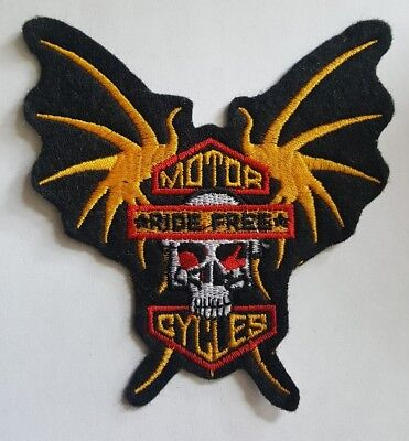 Winged Skull Biker Patch MOTORCYCLES RIDE FREE iron on embroidered 3 7/8 x 3 7/8