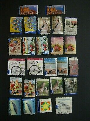 Australia. 25 International Stamps Used. No 7.