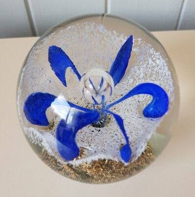 HANDMADE BLUE/GOLD/WHITE BUBBLE & FLORAL GLASS PAPERWEIGHT, 8cm x 8cm, BRAND NEW