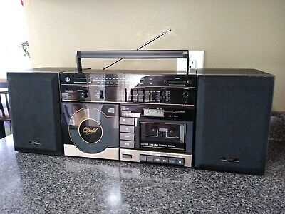 GE 3-7040A Boombox 1988 Cassette, CD Player, EQ & Detachable speakers, Rare