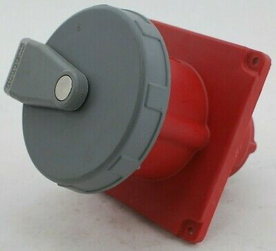 HUBBELL 5100R7W Pin & Sleeve Receptacle
