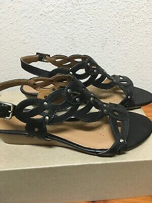 296a804cdd3 CLARKS WOMEN S PLAYFUL Tunes Low Wedge Leather Sandal Black Size 8 ...