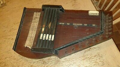 ANTIQUE MULLERS MUSICAL ZITHER/ AUTOHARP INSTRUMENT 50cm X 28cm