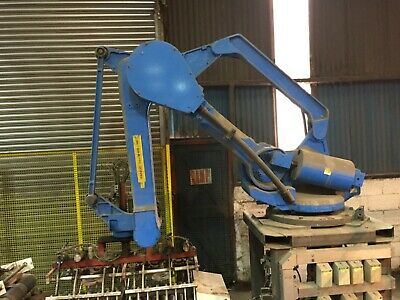 Fanuc M-410 i HS robot complete with twin bag end effector. R-J3 Controller