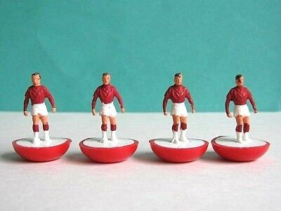 SUBBUTEO FOOTBALL .. 4 x MOULDED BASE HEAVYWEIGHT 1970's FOOTBALL PLAYER FIGURES