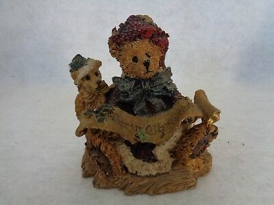 Merry Christmas Bear Figurine (Cat.#6A060)