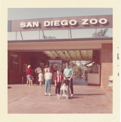 J29 3.5 VTG Photo Snapshot 1964 San Diego Zoo Entrance Sign Ticket Booth