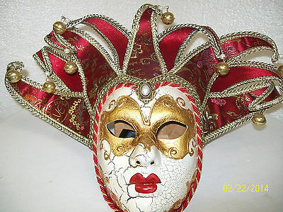 Mardi Gras Red/Green Made in Italy Mask