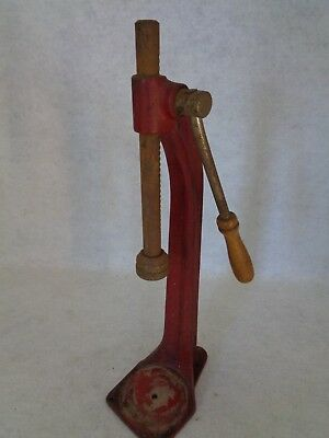 Vintage Cast Iron Bottle Cap Press (Cat.#1C009)
