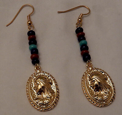 Cleopatra, Queen of the NIle Earrings w. Beads / Gold Tone
