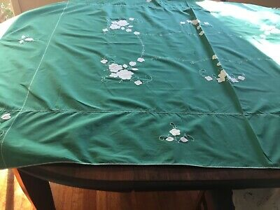 vintage green tablecoth white applique