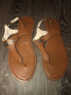 659b9a640374ad MICHAEL KORS PLATE Thong Sandals Brown leather Women s Size 7 ...
