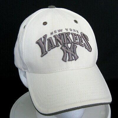 a9e31f03b95 New York Yankees Baseball Ball Cap Hat Off White Strap Back Cloth MLB One  Size