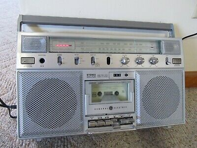 Vintage 80's General Electric GE 3-5254A Boombox Ghetto Blaster Cassette Player