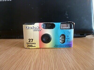 Disposable Camera Qutck Shot with Flash Vintage Design in Black