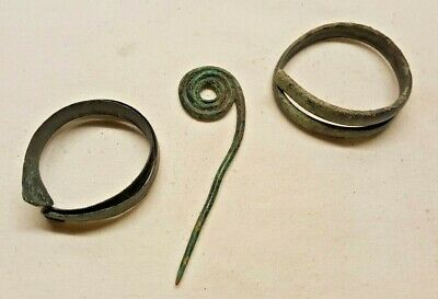 BRONZE AGED BRACELETS AND PIN / nice patina item