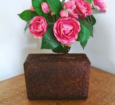 Vintage ANTIQUE Floral Carved Hard Wood Small Lidded Box ~ Trinket Jewellery
