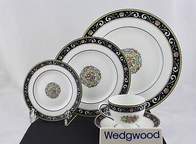 Wedgwood Fine Bone China W4472 Runnymede Blue 5-Piece Place Setting - Mint