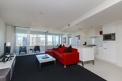 Gold Coast Accommodation - Q1 Resort One Bedroom Spa Apartment 5 Nights $675 2Pp
