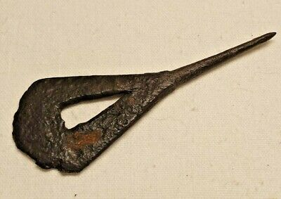 MIDDLE AGED MEDIEVAL ARROW HEAD / nice early weapons