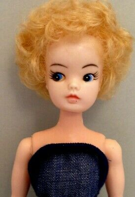 Vintage 70's Tammy Sindy clone made in Hong Kong
