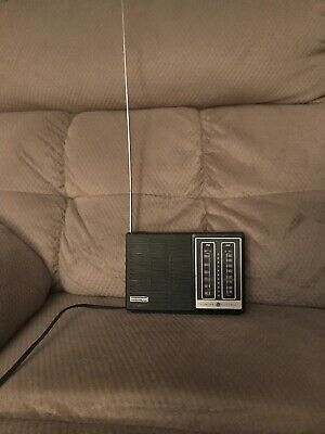 Vintage 1960'S General Electric Two Way Power Am/fm Radio Model No 7-2805A