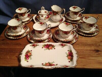 A 22 Piece Royal Albert Old Country Roses Tea Set - 1st