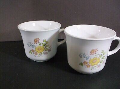 Corelle Meadow cups no saucers