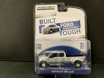 Greenlight Ford F-350 Lariat Pickup Dually 2019 1/64 Minor Paint Defect