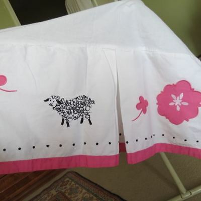 "Pottery Barn ""sadie"" Pink Sheep Embroidered Crib Skirt Nursery Eeuc"